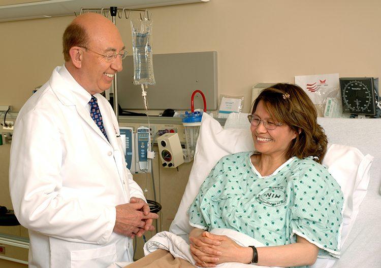 مريضة سرطان الثدي